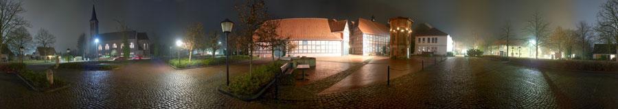Rathausplatz-11